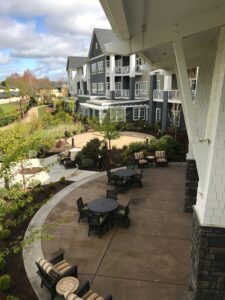 Waterford Grand Senior Living exterior patio space
